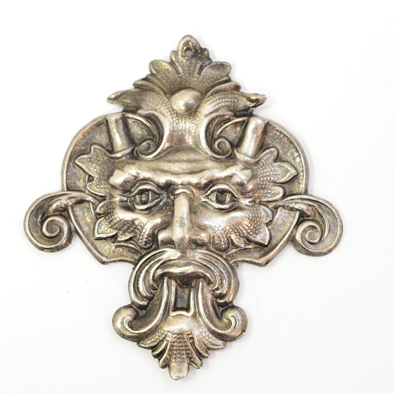 s62666 Metal Pendant -  Green Man - Antiqued Silver