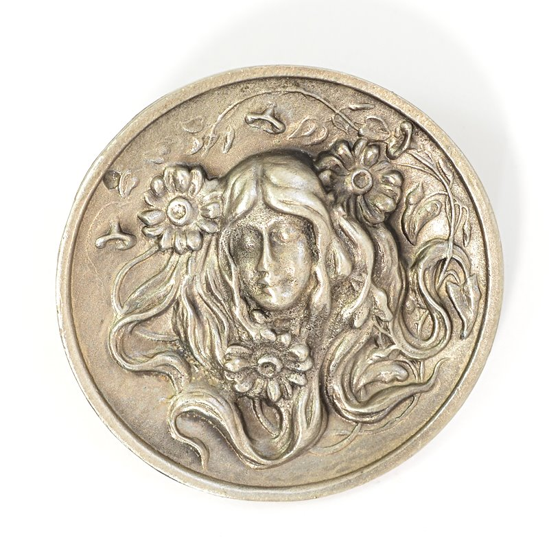 s62673 Metal Pendant -  Lady with Daisies - Antiqued Silver