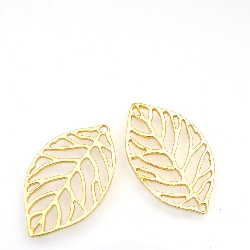 s62900 Pendant - 35mm Open Space Leaf - Bright Gold Plated