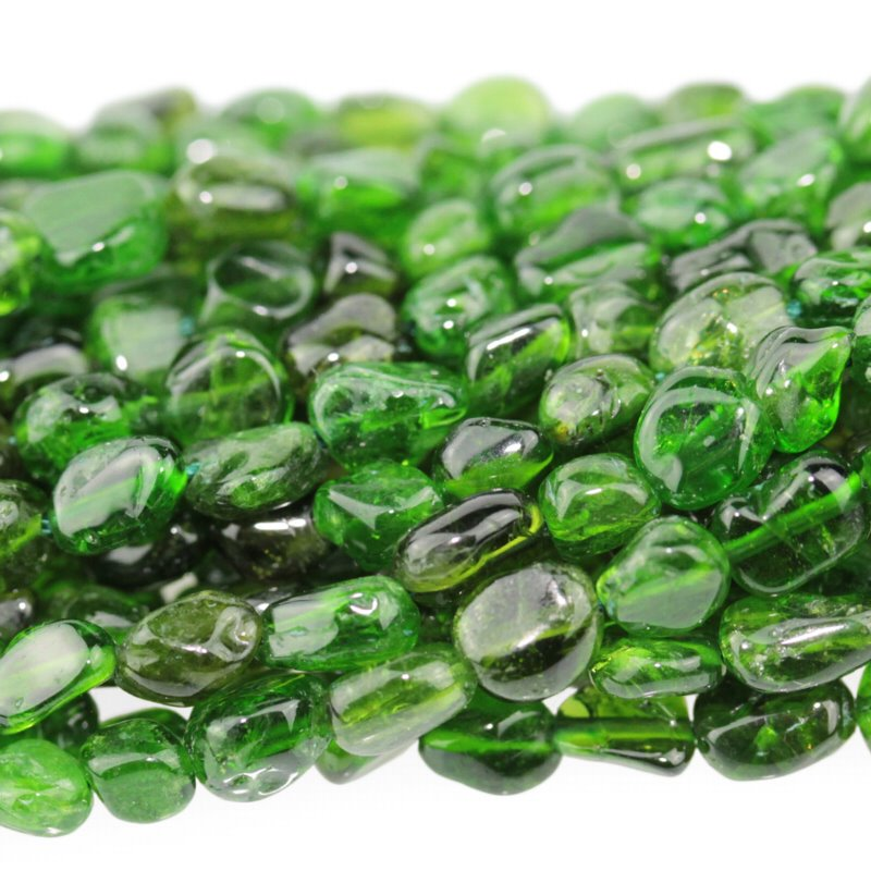 s62925 Stone Beads - 4x6mm Pebbles - Diopside (strand)