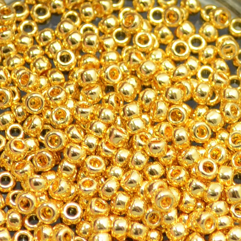 tb8r712 Japanese Seedbeads - 8/0 Toho Seedbeads - 24k Gold Plated (2 grams)