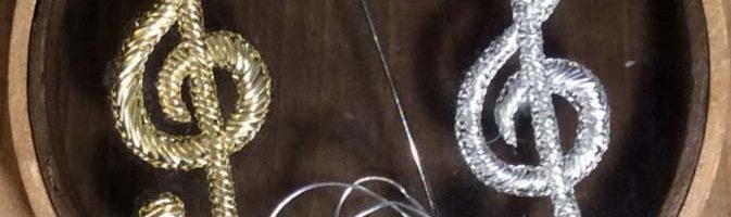 Cannetille/Gold Embroidery – Treble clef motif