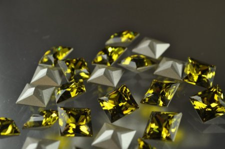 Swarovski Rhinestones - 12mm Princess Cut Faceted Square (4447) - Lime Manager Special