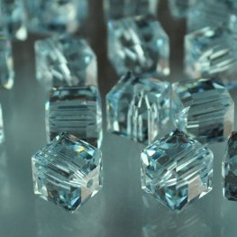 Swarovski Bead - 6mm Faceted Cube (5601) - Alexandrite