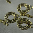 Toggle Clasp - Christmas Wreath & Bow - Brass Oxide