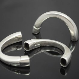 Findings - Regaliz - Half Circle Magnetic Clasp - Antiqued Silver