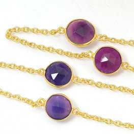Gemstone Chain - Mounted Faceted Stone - Berry Chalcedony / Gold Plated (foot)