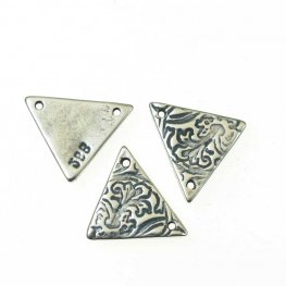 Link - Petunia Triangle - Antiqued Silver (5)