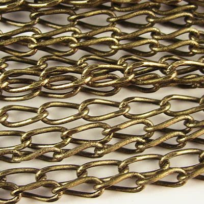Chain - 3x8mm Twisted Oval Links - Antique Gold (Metre)