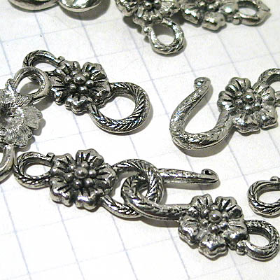 Hook and Eye Clasp - Wild Poppy - Antique Pewter