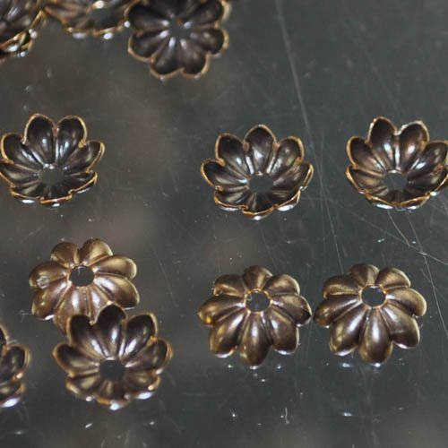Bead Cap Daisy Flower Bead Cap 6mm - Natural Brass
