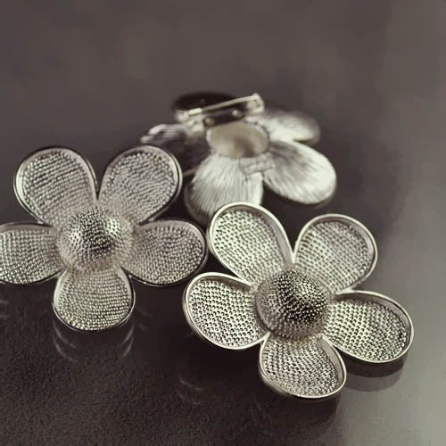 Findings - 50mm Flower Power Pin - Silverplated Manager Special