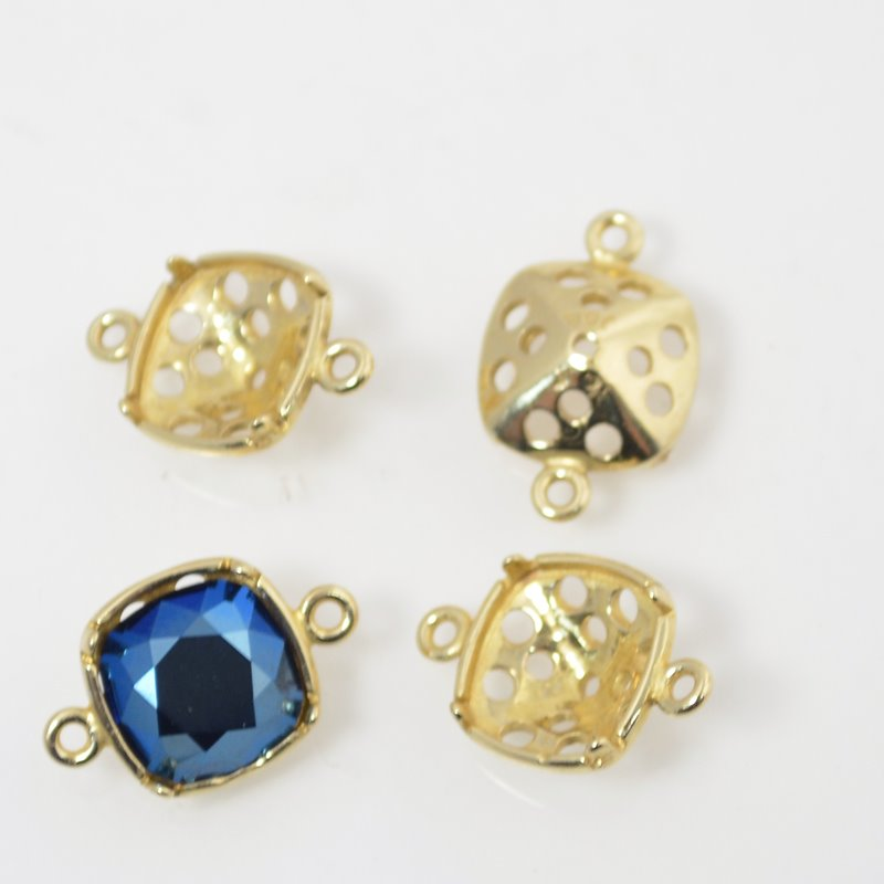 Findings - Stone Mount - ID 10mm Square Turtleback Link - Bright Brass