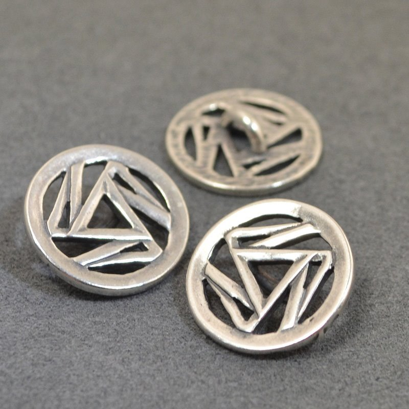 s49236 Metal Buttons -  Triskelion - Antiqued Silver