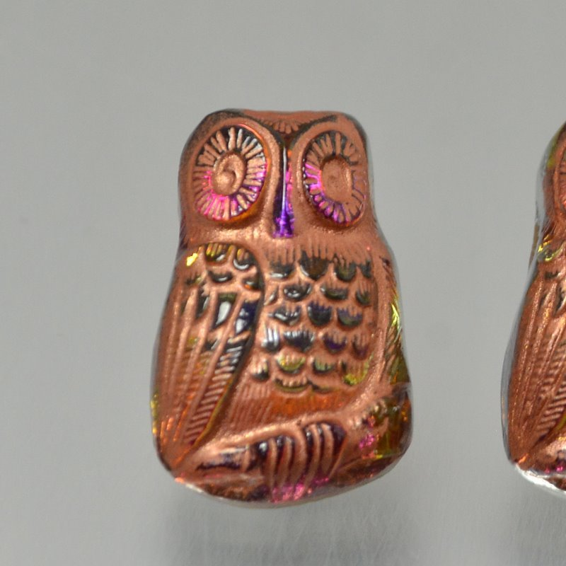 s49367 Czech Glass Button -  Startled Owl - Volcano Copper Wash