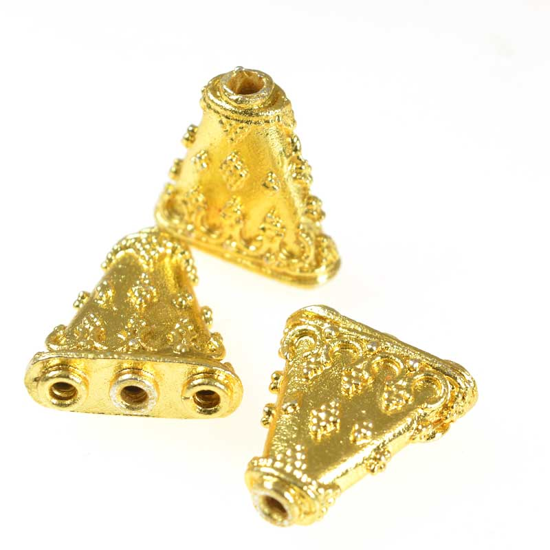 s55937 Separator/Connector - 1:3 Ornate Triangle - Bright Gold Plated (4)