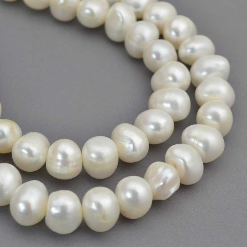 s64045 Freshwater Pearls - 11x9mm Potato Pearl - White Pearl (strand)