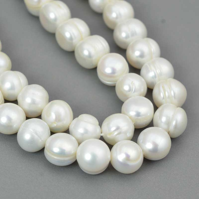 s64046 Freshwater Pearls - 10-11mm Near Round Pearl - White Pearl (strand)