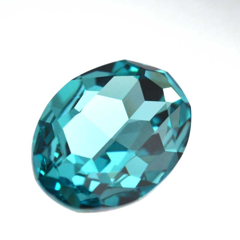 s64091 Swarovski Fancy Stone - 22x30mm Faceted Oval (4127) - Light Turquoise