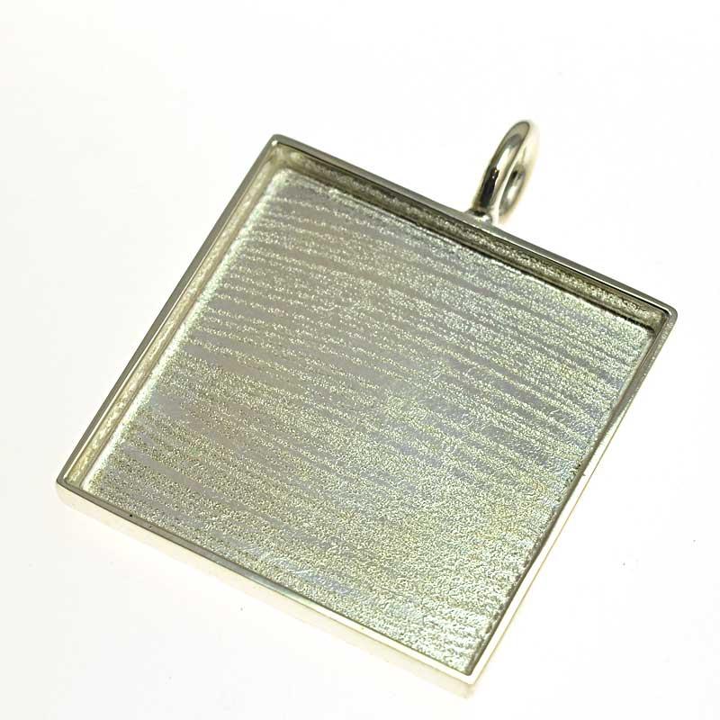 s64724 Resin Tray Square Pendant 48mm - Bright Silver