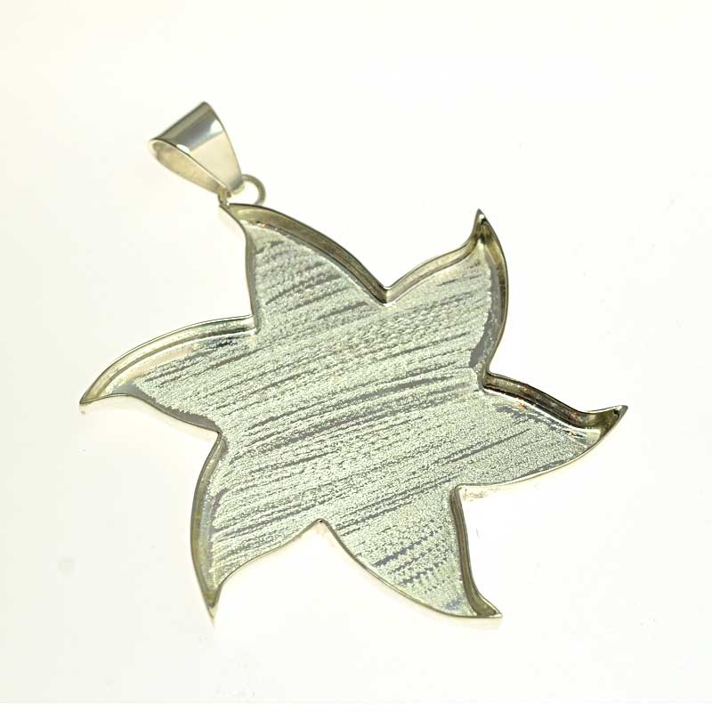s64726 Resin Tray Spinning Star Pendant  - Bright Silver