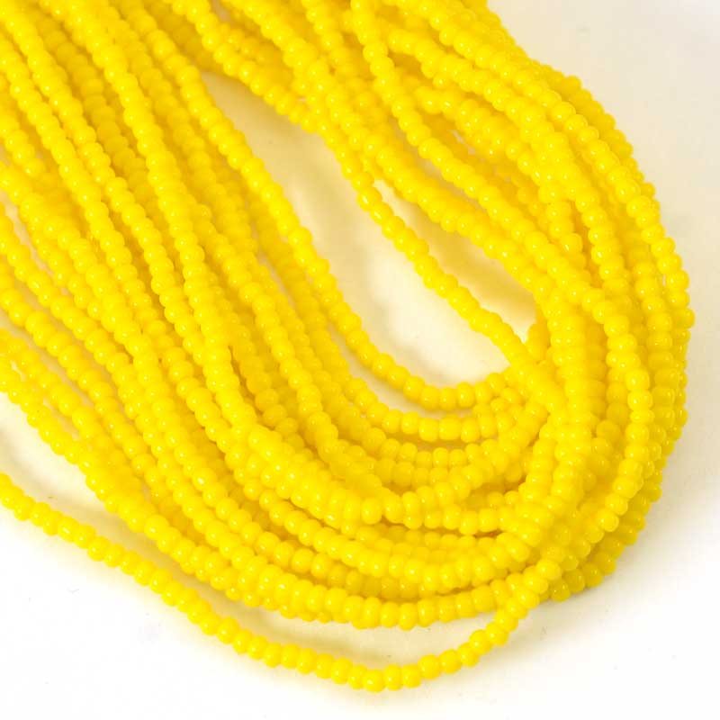 s65738 Czech Seedbeads - 12/0  - Opaque Butter Yellow (hank)