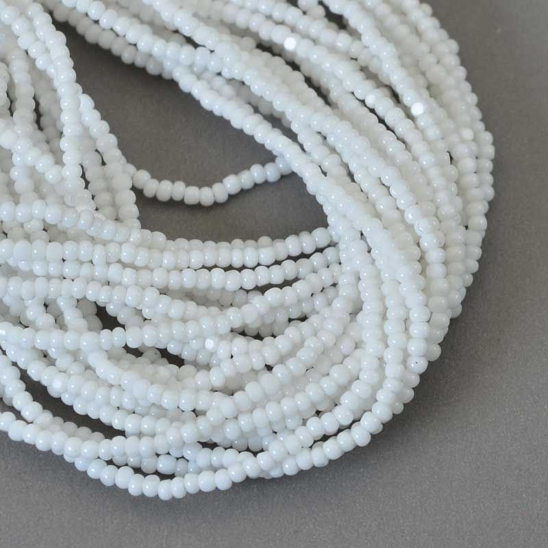 s65753 Czech Seedbeads - 12/0 Cut - Opaque White (hank)