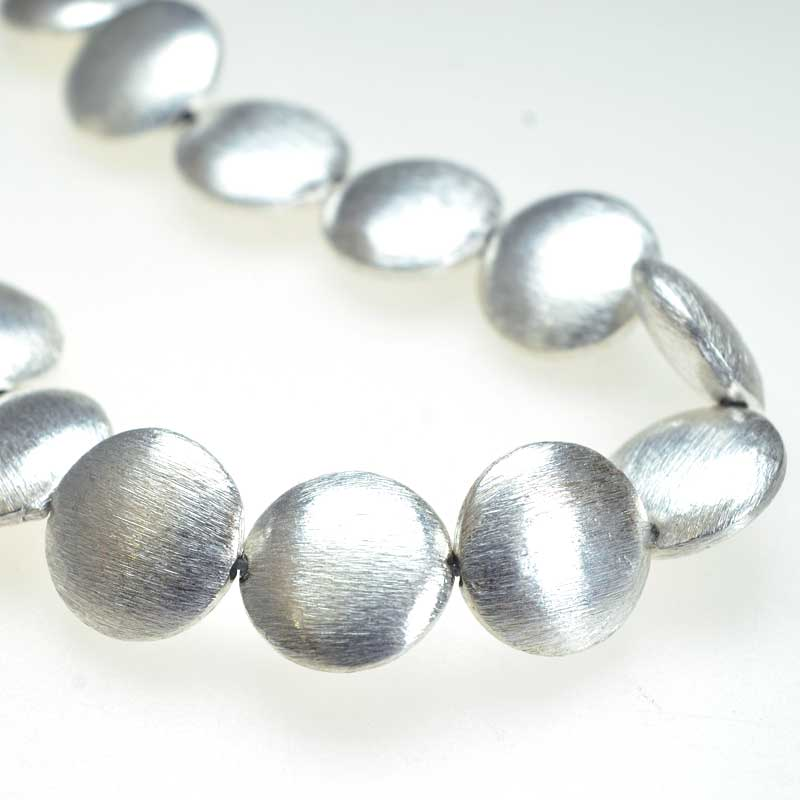 s67160 Metal Beads Puff Coin 14mm - Brushed Silver (strand)
