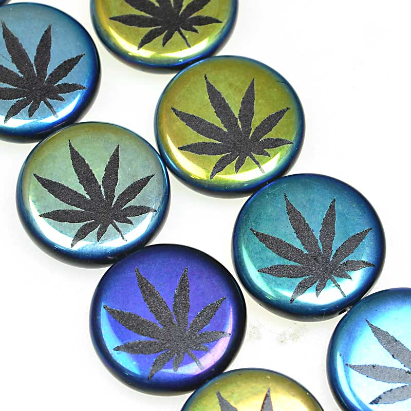 s67592 Weed Bead - 17mm - Magical Mystery Tour (strand 8)