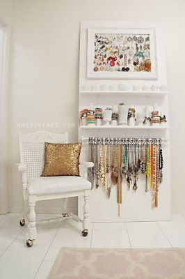 DIY jewellery storage!