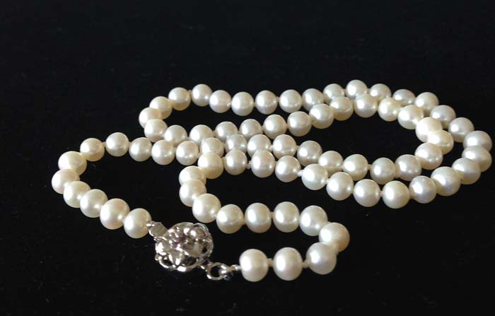 Traditional Pearl Knotting