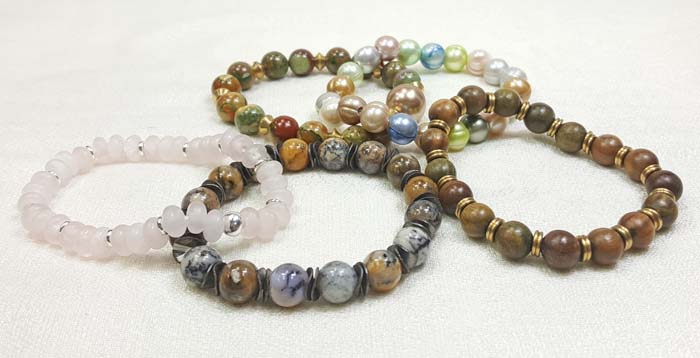 Quick and Fun: Stretchy Bracelets